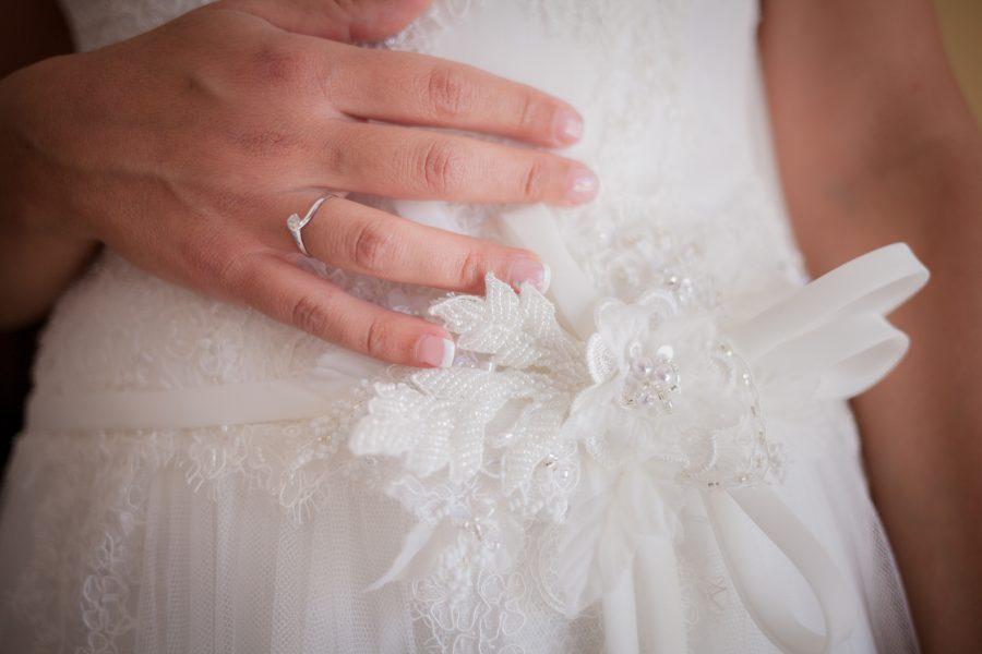 Fotografia di un particolare del vestito di Francesca al suo matrimonio - Sassari Sardegna
