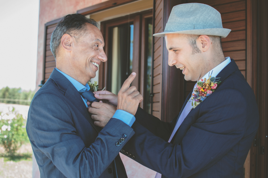 Fotografia Matrimonio Alghero preparazione padre dello sposo