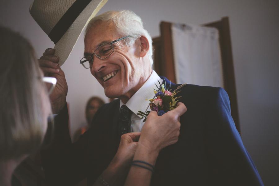 Fotografia matrimonio Alghero preparazione padre della sposa